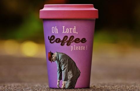 Absolut tolle Idee, absolut gratis! An der Hochschule München gibt es 5 Tage lang wiederverwendbare Kaffeebecher.